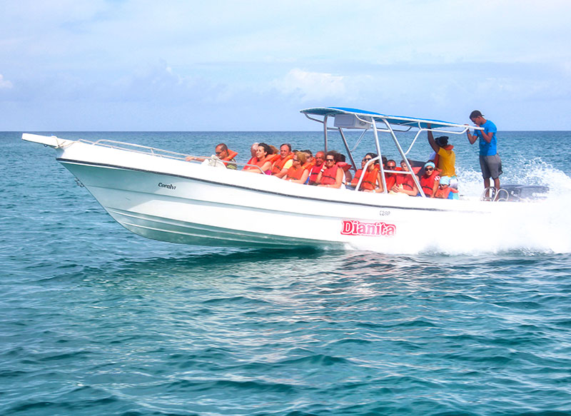 laancha-capitan-gringo-isla-saona
