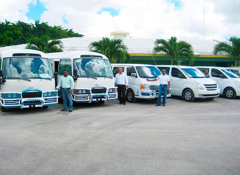 modernos-y-cómodos-autobuses-con-chóferes-profesionales